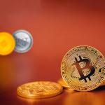 Il Bitcoin torna sui minimi da Novembre a conclusione di una settimana di annunci sfavorevoli
